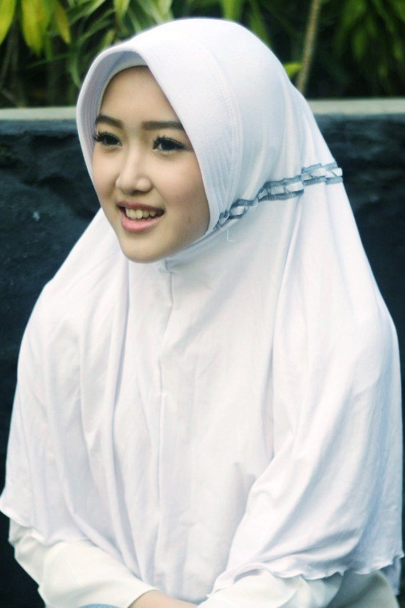 Siswi Jilbab SMA Cantik itu apa