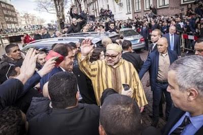 جزائريون ينوهون بالملك محمد السادس نصره الله  ويرفضون دعم البوليساريو