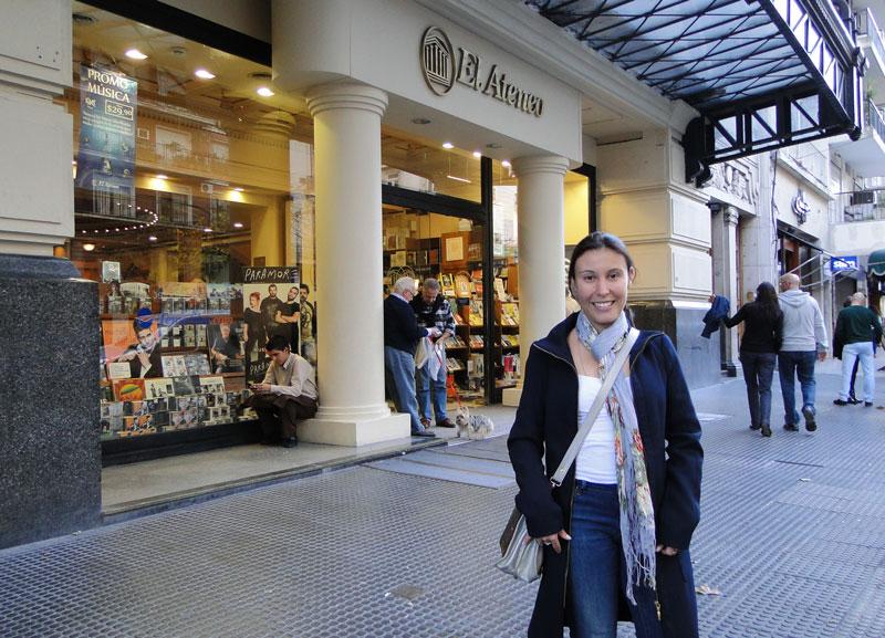 Porta de entrada da livraria El Ateneo em Buenos Aires na Argentina.