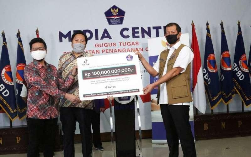 TikTok Sumbang Rp 100 miliar untuk penanganan virus corona di Indonesia (kompas.com)