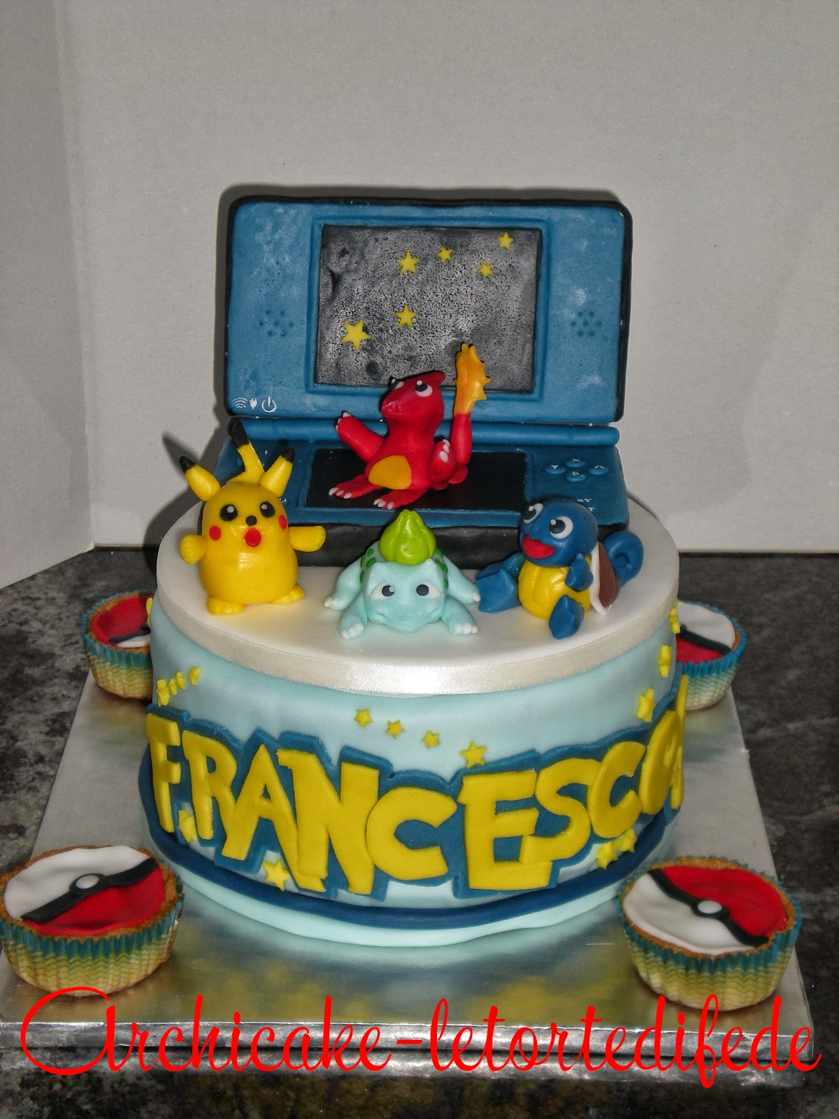 archicake le torte di fede pokemon escono dal nintendo ds. Black Bedroom Furniture Sets. Home Design Ideas