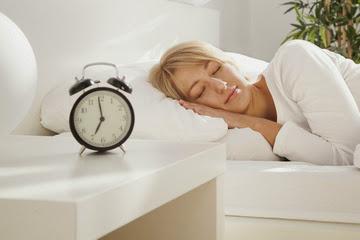 wanita tidur Rekomendasi baru untuk seberapa lama harusnya anda tidur