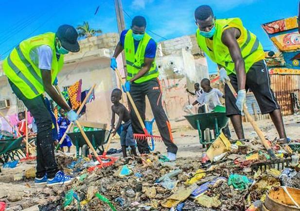 Projets, journées, nationale, nettoiement, propreté, protection, préservation, environnement, insalubrité, littoral, côtière, écosystème, ville, vert, déchet, balai, maisons, rues, quartiers, espaces, publics, mer, île, côte, plage, LEUKSENEGAL, Dakar, Sénégal, Afrique