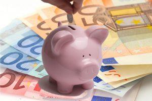 Europa: gli italiani risparmiano di più