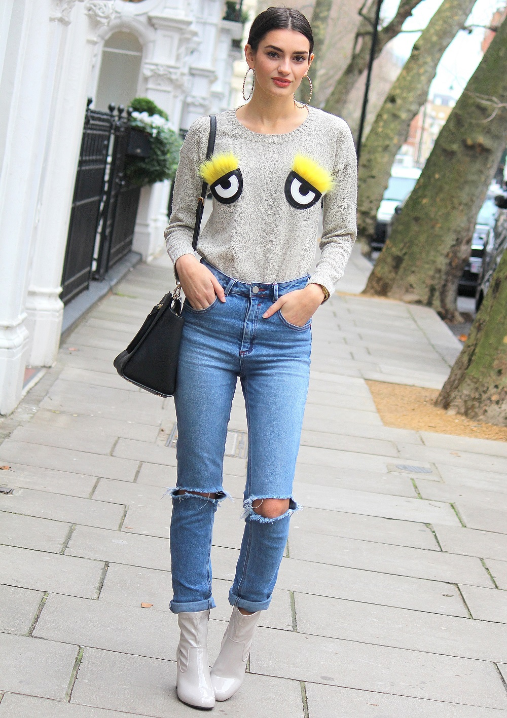 peexo fashion blogger wearing ripped jeans and 3d jumper