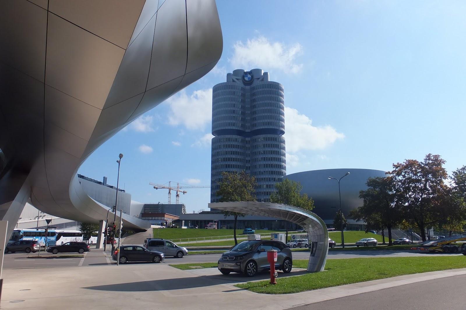 BMW本社 BMW Headquarters