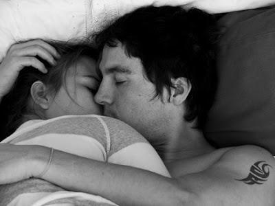 Η αγκαλιά μετά το σεξ μάς φέρνει πιο κοντά!