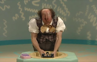 Mr Noodle He puts his hands in the sink full of water. Sesame Street Elmo's World Hands The Noodle Family