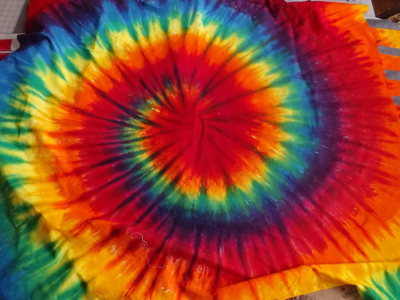 about tie dye wall - photo #27