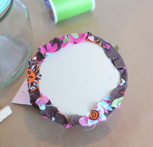 make your own sewing kit, mason jar and fabric gift ideas