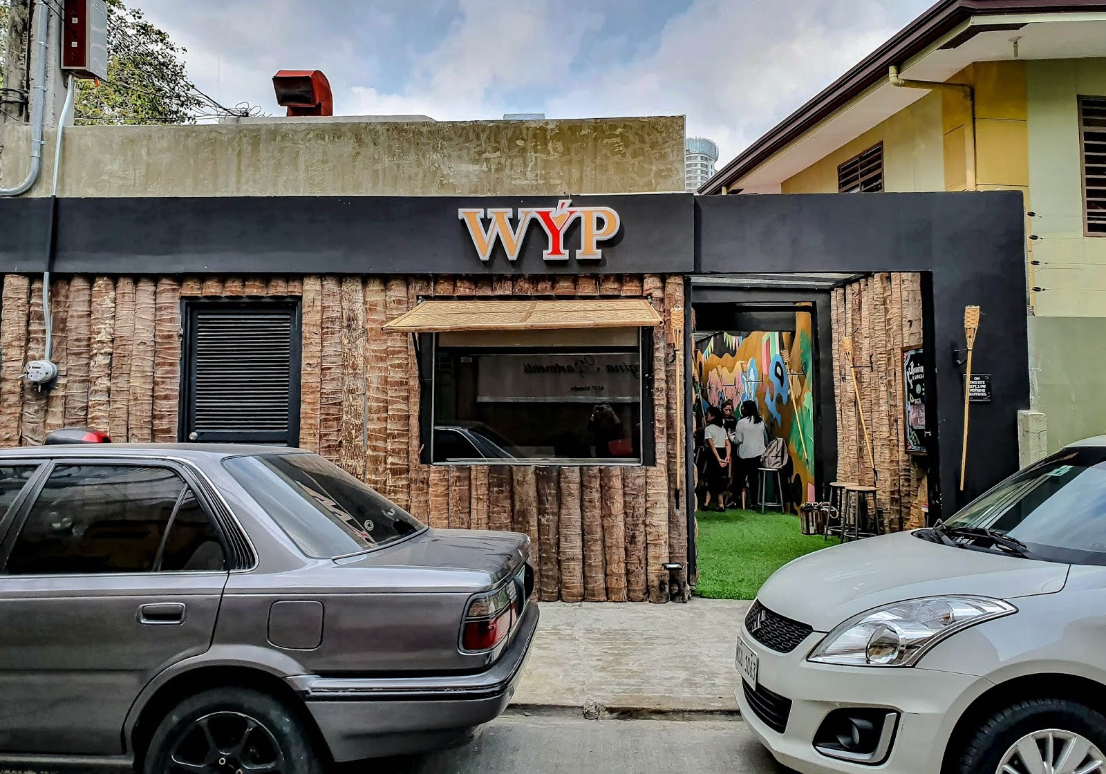 WYB Bar Poblacion, bar hopping, bar in Poblacion, Best bar in Poblacion, thedailyposh, where to go in Poblacion, what is your poison, bar and restaurant in Poblacion,