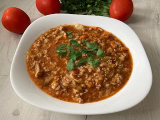 Zupa z kapusty o smaku gołąbków