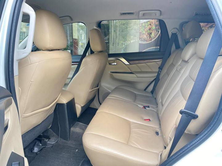 Mitsubishi Pajero Sport máy xăng mất giá do ít được ưa chuộng