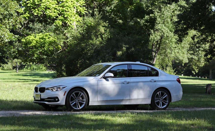 CAR AND MOTOR NEWS: 2017 BMW 330i Automatic