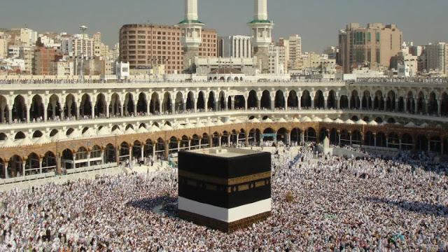 السعودية تفتح الحرمين بعد التعقيم من كورونا