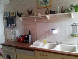 benita faq de quelle couleur repeindre les lambris de ma cuisine aux meubles vanille. Black Bedroom Furniture Sets. Home Design Ideas