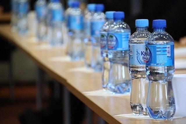 Kapan Waktu Yang Paling Tepat Bagi Bayi Untuk Mengkonsumsi Air Putih?