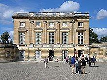 Château-du-Petit-Trianon-Versailles.JPEG
