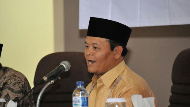 PDIP Umpamakan Gaya Kepemimpinan Jokowi dengan Umar bin Khattab, Begini Kata HNW