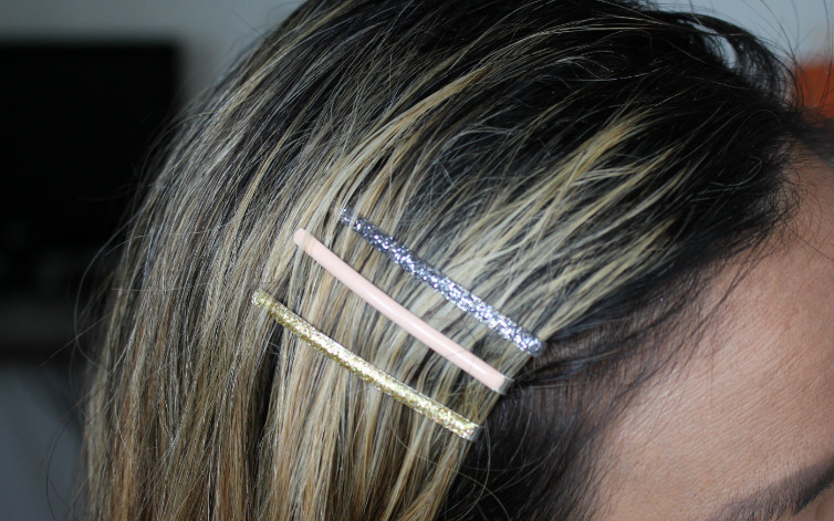 pop sugar must box mane message bobby pins