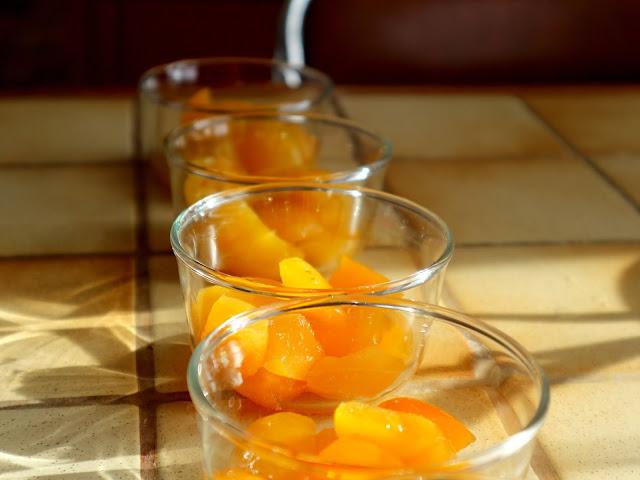 Je vous donne ma recette de gelée de fruits à l'abricot et à à l'agar-agar.
