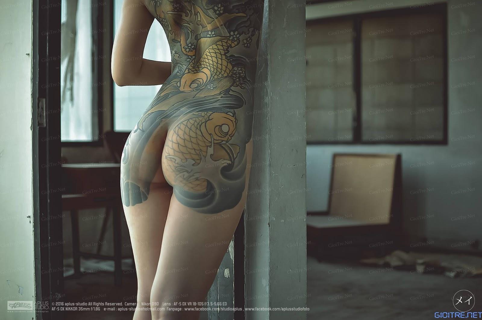 Cô gái nude khoe hình xăm cá chép hóa rồng cực chất!!!
