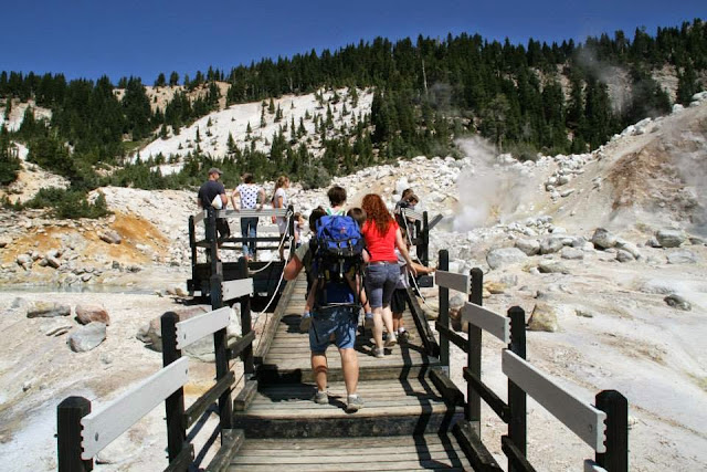 Bumpass Hell Hike in Lassen Volcanic National Park