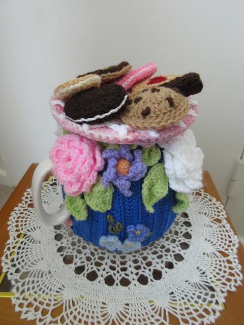 Tina's Allsorts, Blooming Great Tea Cosie