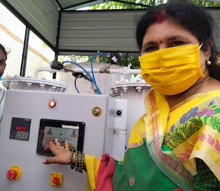 #JaunpurLive : डा.लीना तिवारी ने नवनिर्मित आक्सीजन प्लांट का किया उदघाटन