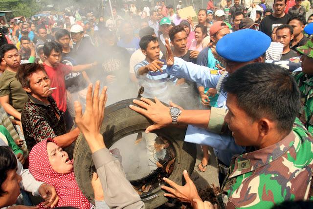 Ada Yang Memprovokasi Warga Dibalik Bentrokan TNI AU vs Warga di Medan