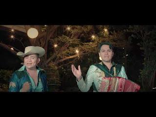LETRA Un Simple Peon Grupo Distinguido ft Los Armadillos de la Sierra