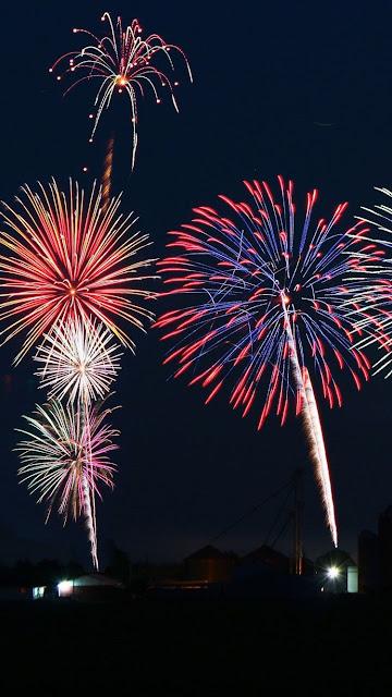 iphone fireworks wallpaper