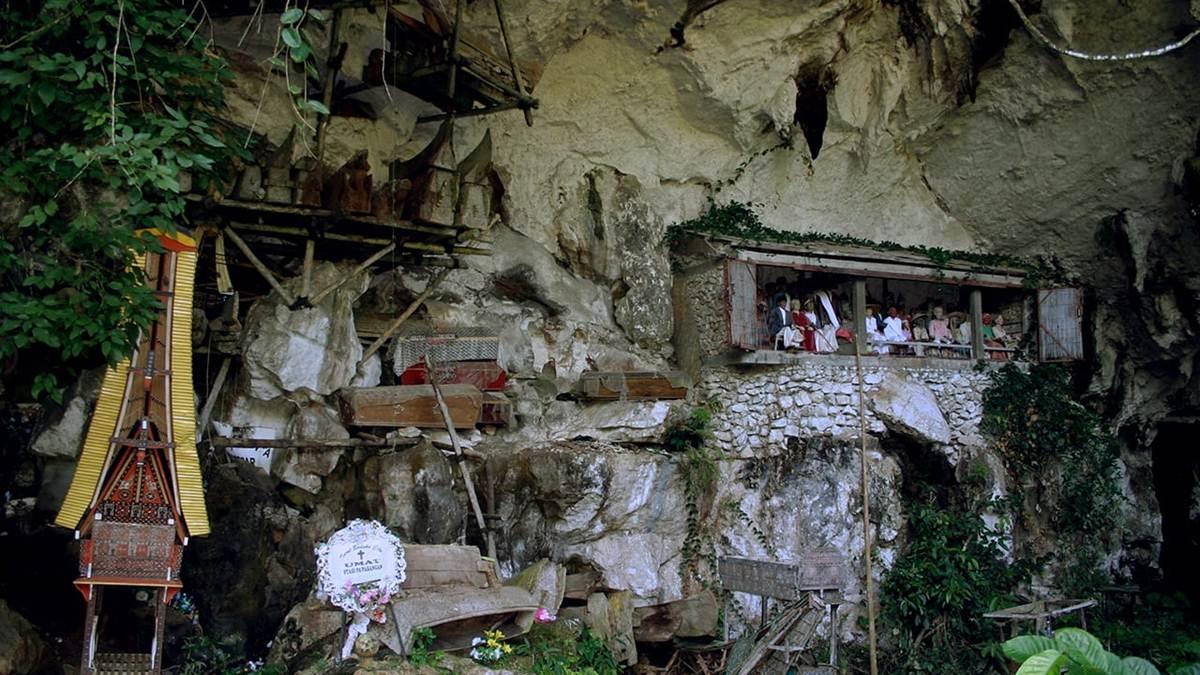 gua kuburan batu Londa