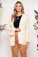 Cardigan crem lunga casual din material tricotat cu croi larg si aplicatii cu paiete holografice •