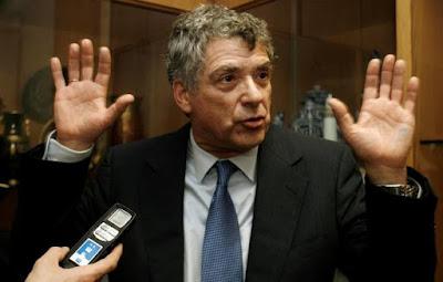 La policía detiene a Ángel María Villar, presidente de la Real Federación Española de Fútbol