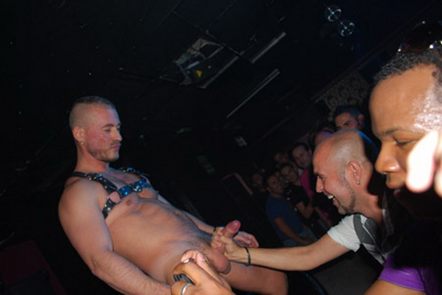 Free Gay Show 96