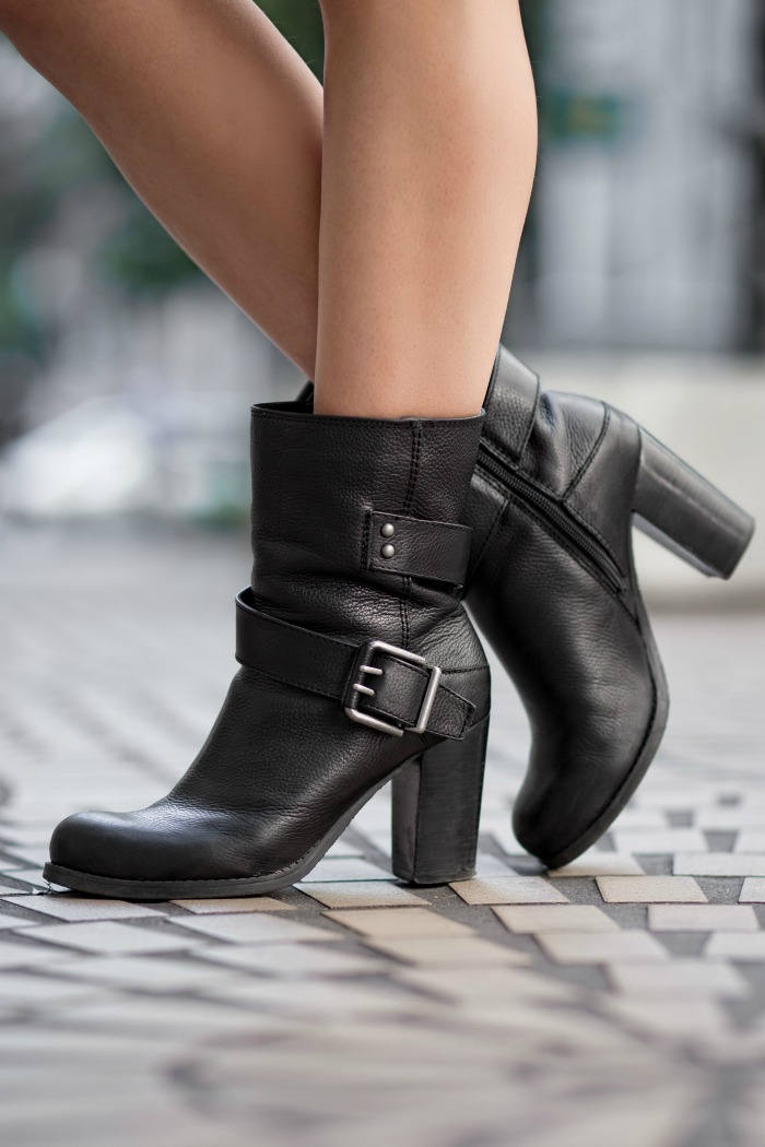 nine west chunky boots