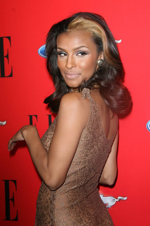 At the time when she was part of the ultra sexy group Pussycat Dolls,  Melody Thornton never hesitated to appear in outfits incredibly bold. Full  Story.