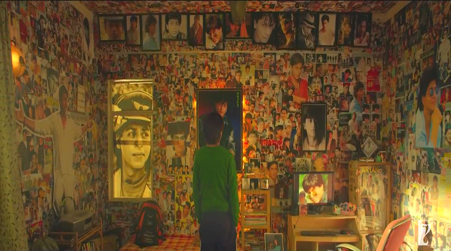 Fan (2016), Directed by Maneesh Sharma, Gaurav beholds the collage on his Aryan Khanna wall, Fan Movie Still