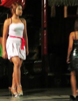 Myanmar nightclub show
