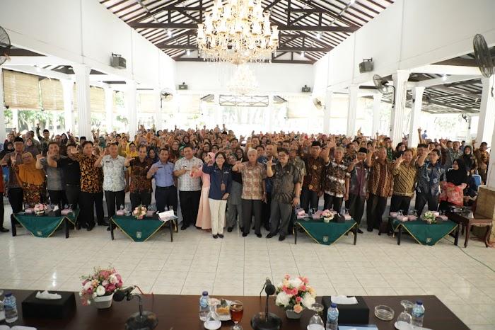 H.Surya BSc Bupati Asahan Bersama Drs. Sofian Marpaung M Pd gelar Rapat Koordinasi Bidang Pendidikan Asahan 2020