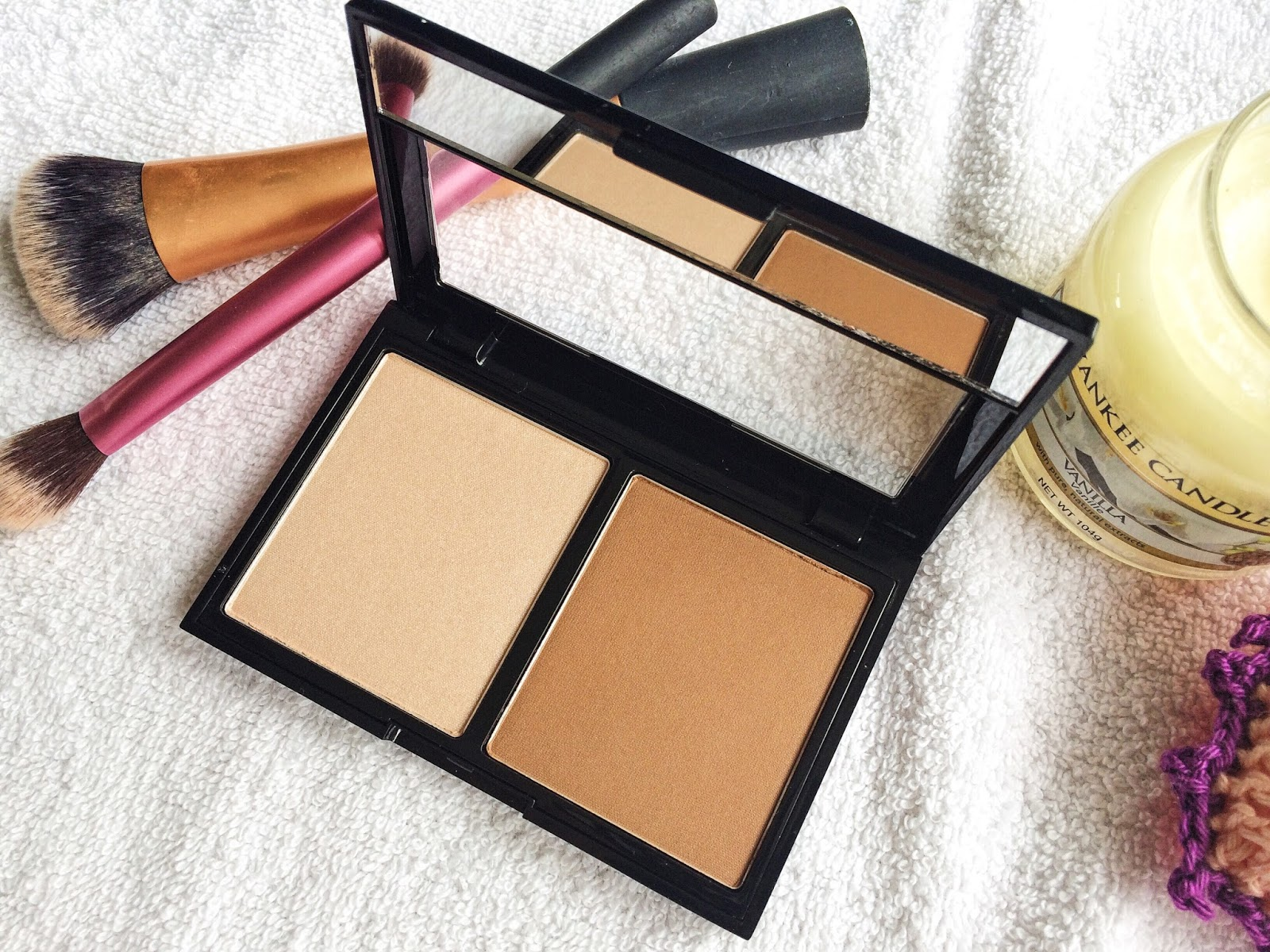Contour away with this collection duo
