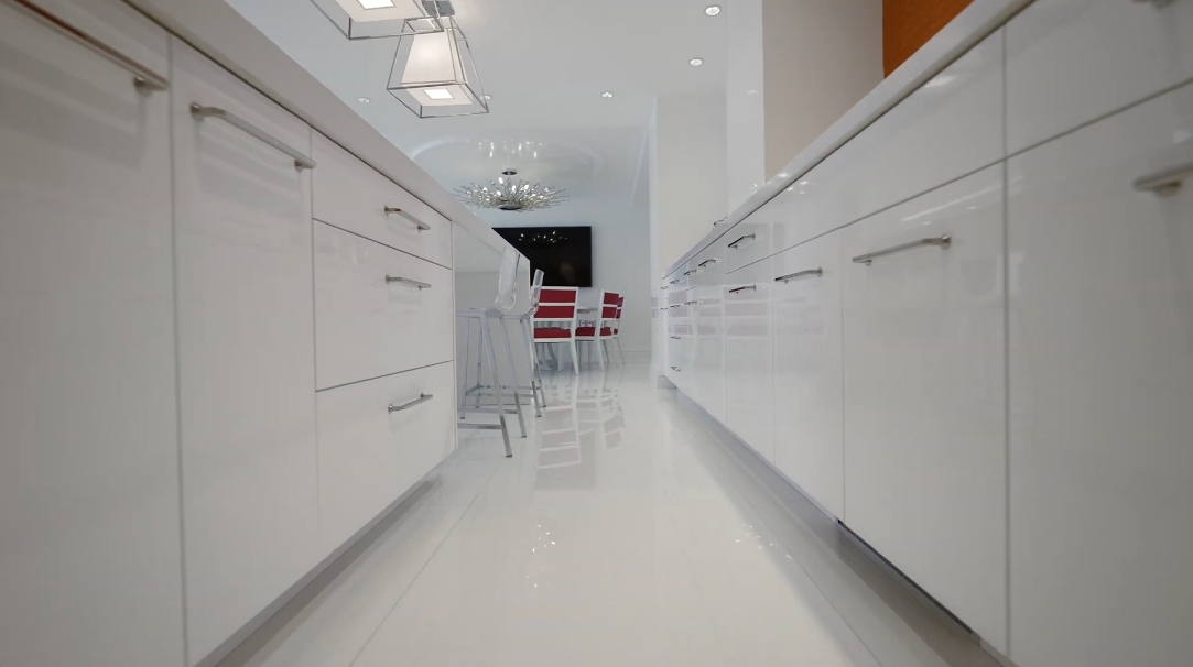 29 Interior Design Photos vs. 10155 Collins Ave #1805, Bal Harbour, FL Luxury Condo