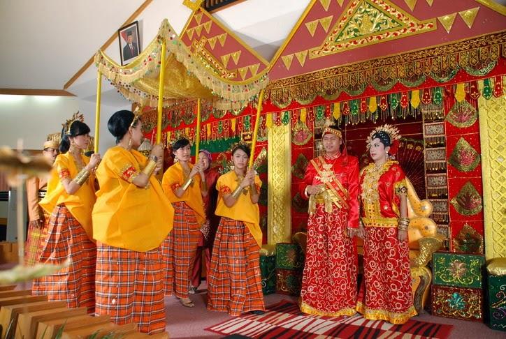 Makalah Kebudayaan Suku Bugis Sulawesi Selatan | Gado-Gado