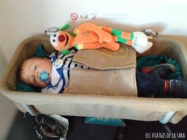 Dia 1: Vol intercontinental amb un nadó i arribada a Osaka