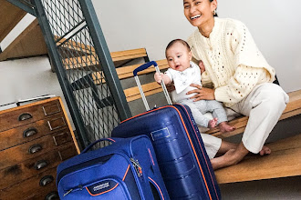 AMERICAN TOURISTER: Baby on Board, Enroute to Melbourne