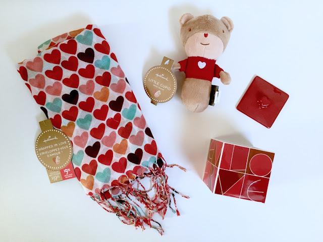 Hallmark Canada Scarf Rattle Trinket Box - Valentines - #LoveHallmarkCA
