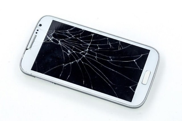 How to remove scratch from a phone screen