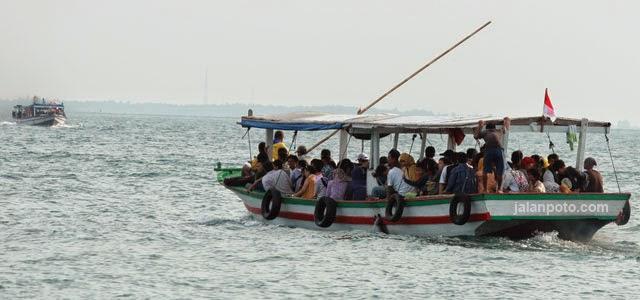 perahu-motor-untung-jawa