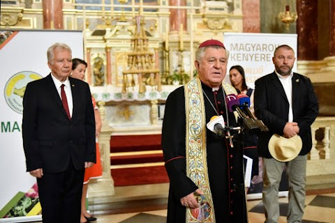 Már látható a Kárpát-medence aratókoszorúja a Szent István-bazilikában